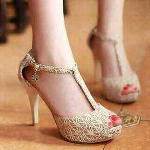 Sepatu Sandal High Heels Terbaru Brukat Tali