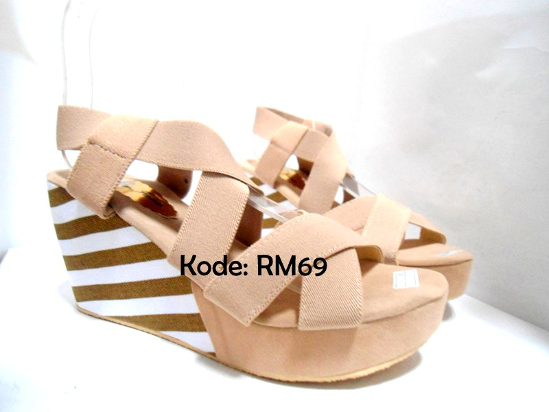 Sandal Wedges Krem