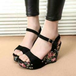 Sepatu Sandal Wedges Wanita Motif Bunga Model Terbaru & Murah