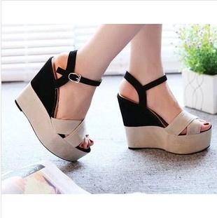 Sandal Wedges Wanita Cantik Terbaru & Murah