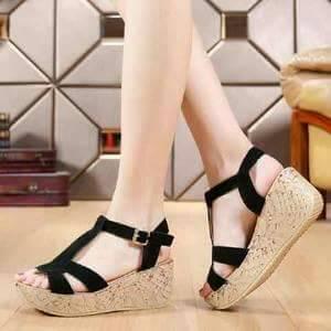 Sandal Wedges Tali Hitam Cantik Model Terbaru & Murah