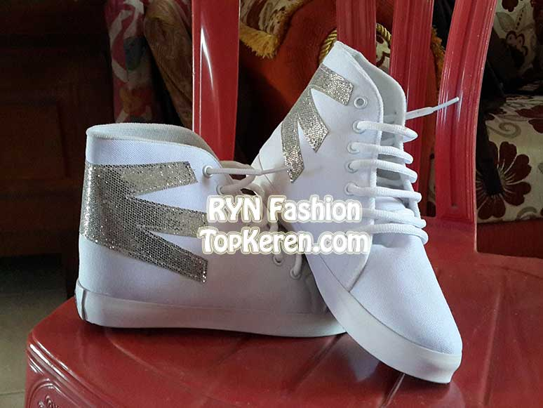 Kets Boots Putih