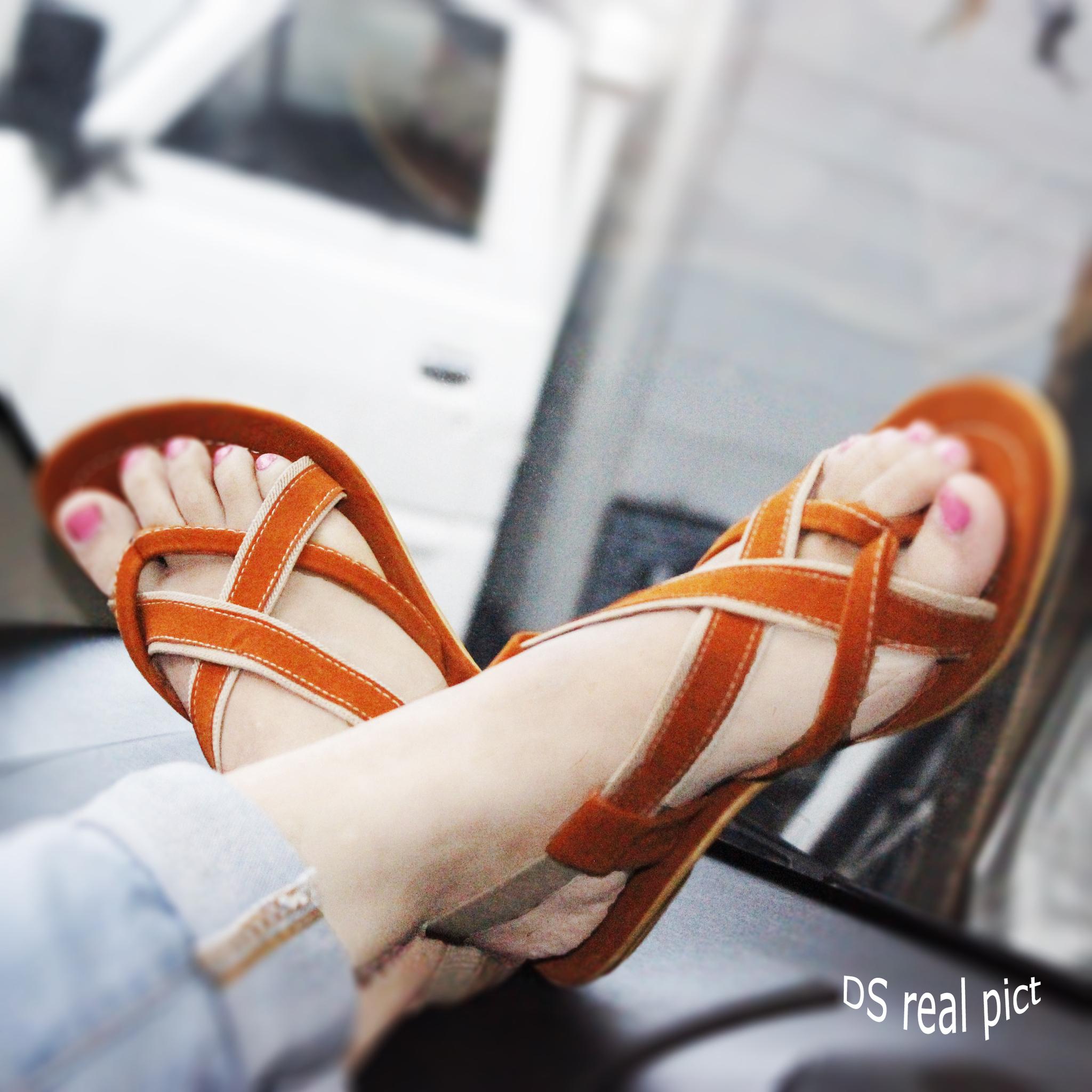 Sandal Flat Cantik Model Terbaru & Murah