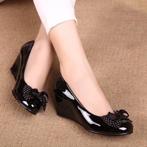 Sepatu Pantofel Wedges Terbaru Warna Hitam