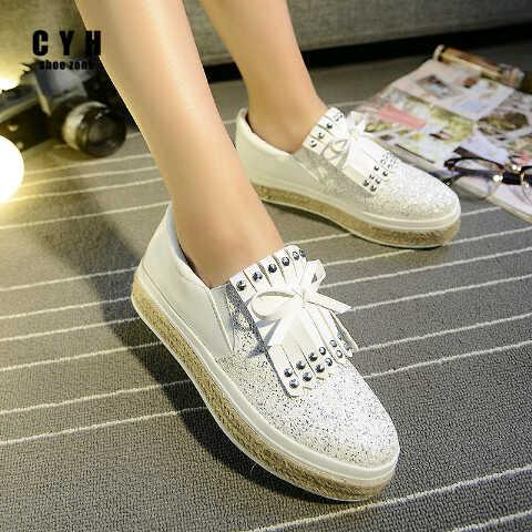 Sepatu Teplek (Flat Shoes) Putih Unik Model Terbaru