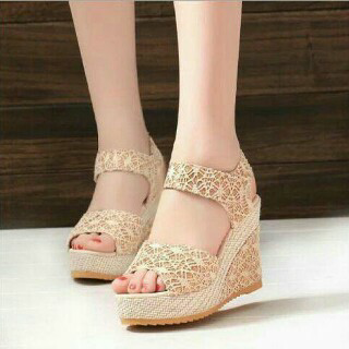 Sepatu Sandal Wanita Murah dan Cantik Bahan Brukat Modern