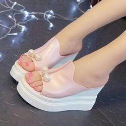 Sandal Wedges Terbaru Warna Salem Aplikasi Mutiara Cantik