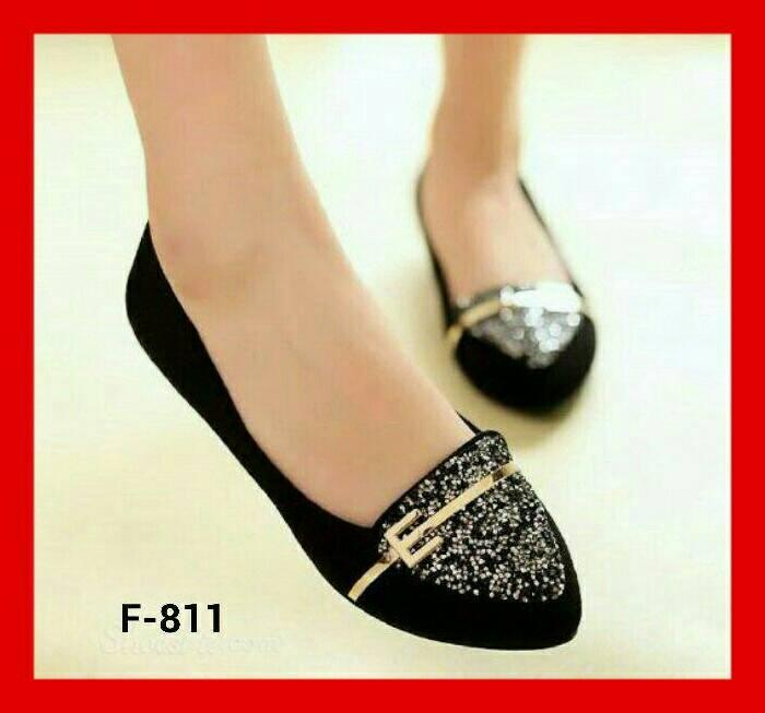 Sepatu teplek flat shoes model terbaru warna hitam cantik for Model of flat