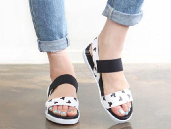 Model Sandal Teplek Wanita Cantik Terbaru Motif Mickey