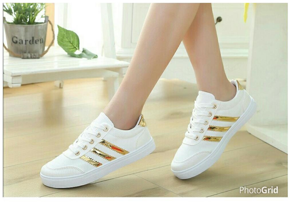 Sepatu Kets Bertali Wanita Warna Putih Model Terbaru dan Murah
