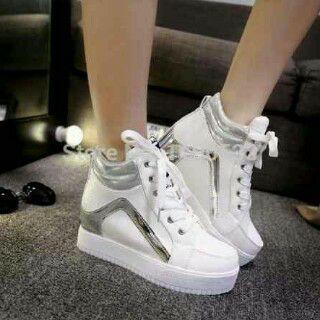 Sepatu Sneakers Boots Putih Wanita Murah Model Terbaru