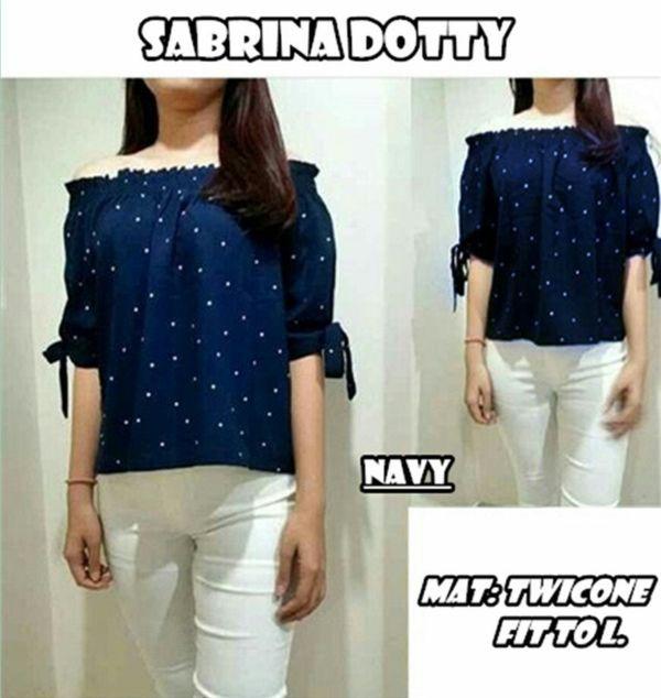 Baju Atasan Wanita Model Sabrina Motif Polkadot Modis Terbaru