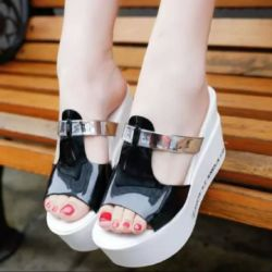 Sandal Wedges Hitam Putih Model Terbaru Cantik dan Murah