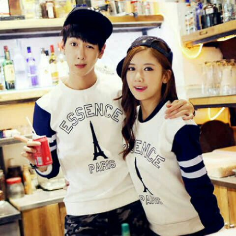 Baju Kaos Couple Lengan Panjang Model Terbaru Keren & Unik