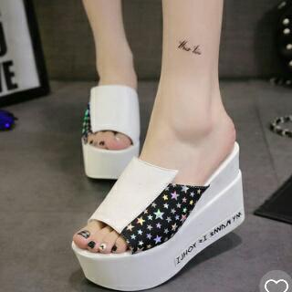 Sandal Wedges Wanita Warna Putih Modern Model Terbaru