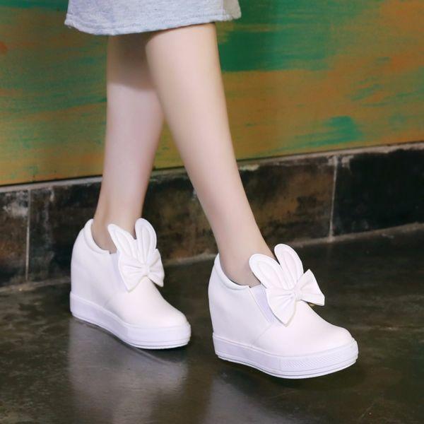 Sepatu Boots Wedges Kelinci Warna Putih Model Terbaru