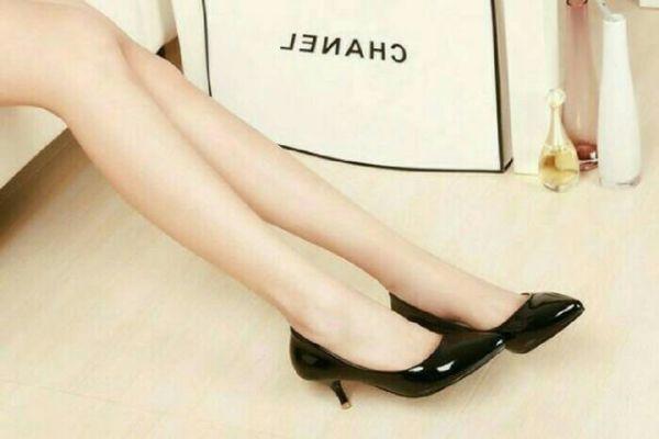 Sepatu Pantofel High Heels Warna Hitam Cantik Model Terbaru