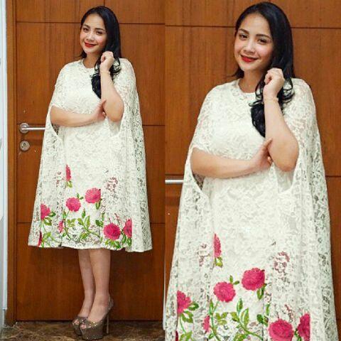 Baju dress pendek kaftan nagita bahan brukat model terbaru Baju gamis kaftan putih