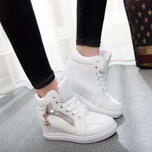 Sepatu Boots Bertali Sleting Warna Putih Modern Model Terbaru