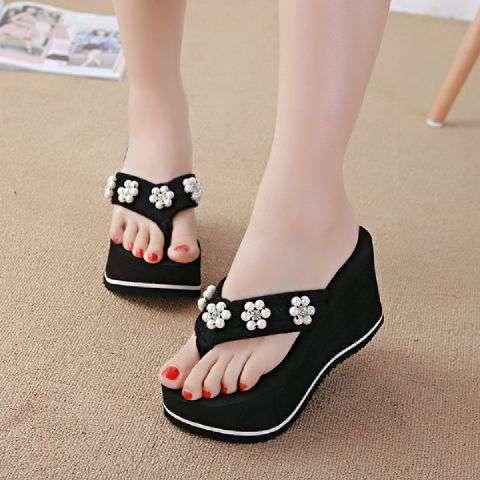 Sandal Jepit Wedges Spon Wanita Warna Hitam Cantik
