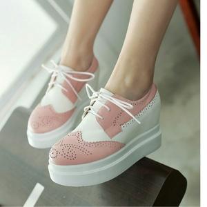 Sepatu Wedges Bertali Wanita Warna Kombinasi Modern