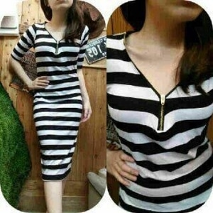 Style Baju Dress Fashion Wanita Motif Salur Belang Garis-garis Modern