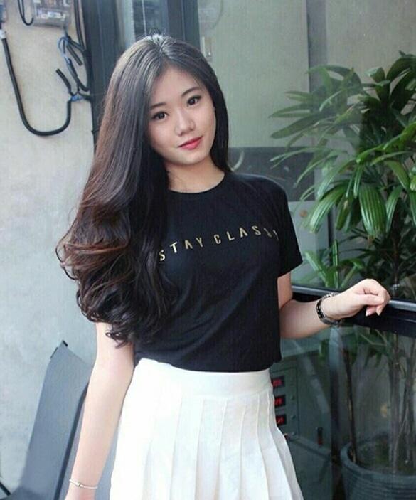 Baju Kaos Wanita Lengan Pendek Warna Hitam Model Terbaru