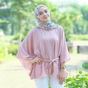 Model Baju Blouse Atasan Muslim Wanita Desain Batwing Modern Terbaru