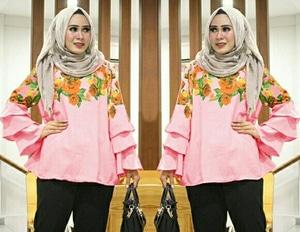 Model Baju Atasan Wanita Blouse Hijab Motif Terbaru Lengan Panjang Terompet