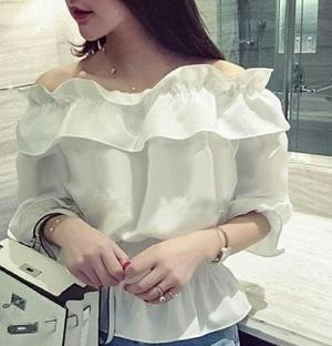 Baju Atasan Wanita Model Blouse Sabrina Warna Putih Cantik Modern Terbaru