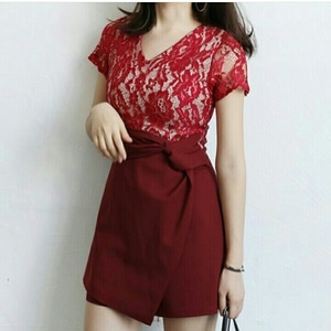 Baju Mini Dress Pendek Wanita Kombinasi Bahan Brukat Modern Model Terbaru