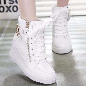 Sepatu Bertali Boots Wedges Wanita Warna Putih Modern Model Terbaru Murah