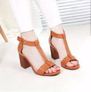 Sepatu Sandal High Heels Wanita Hak Tahu Warna Tan Modern Cantik Model Terbaru