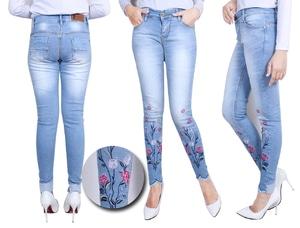 Model Celana Jeans Wanita Panjang Aplikasi Bordir Bunga