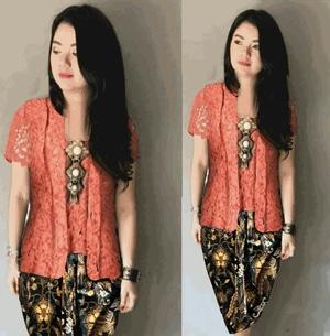 Setelan Baju Kebaya Kutubaru Brukat Peach dan Rok Batik Pendek