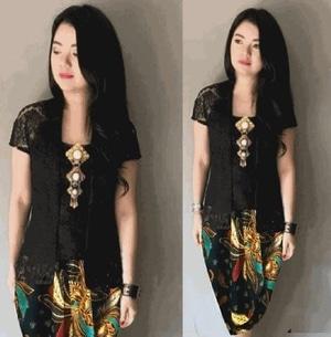 Setelan Baju Kebaya Brukat Kutubaru dan Rok Batik Pendek Cantik