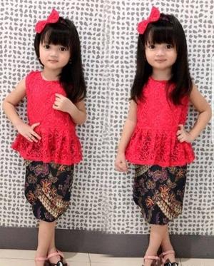 Setelan Baju Kebaya Brukat dan Rok Batik Anak Perempuan