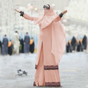 Busana Muslimah Setelan Gamis Syari Renda Modern