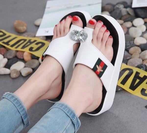 Sandal Wedges Jepit Wanita Model Terbaru Cantik
