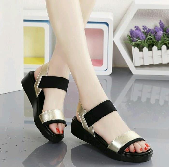 019cfe1058b3 Sandal Wedges Wanita Simple Modern Model Terbaru