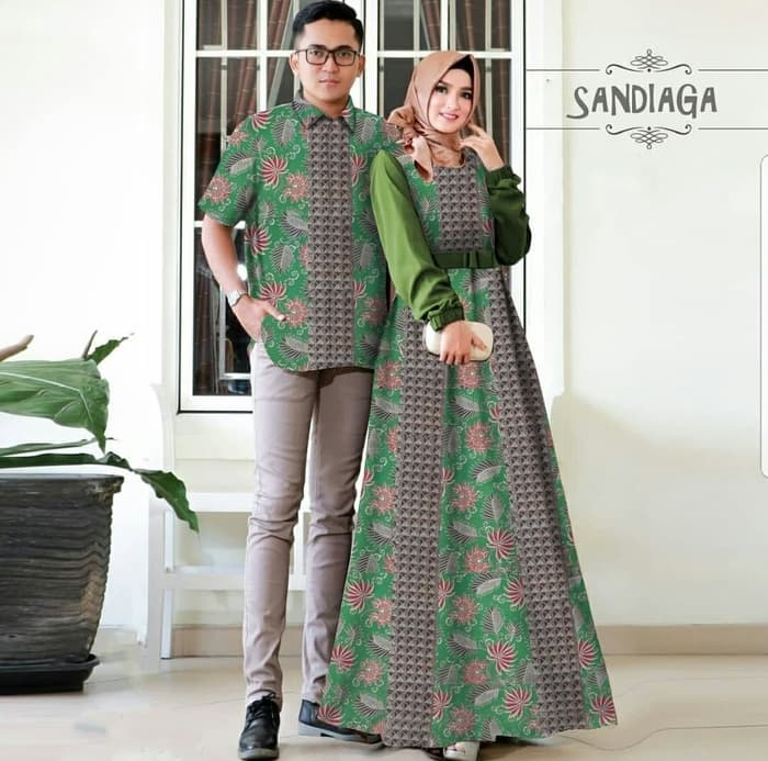 Rok Batik Dan Kemeja: Setelan Baju Gamis Dan Kemeja Couple Motif Batik