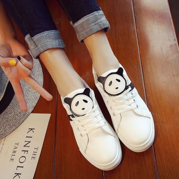 Sepatu Kets Bertali Wanita Gambar Panda Keren Modern