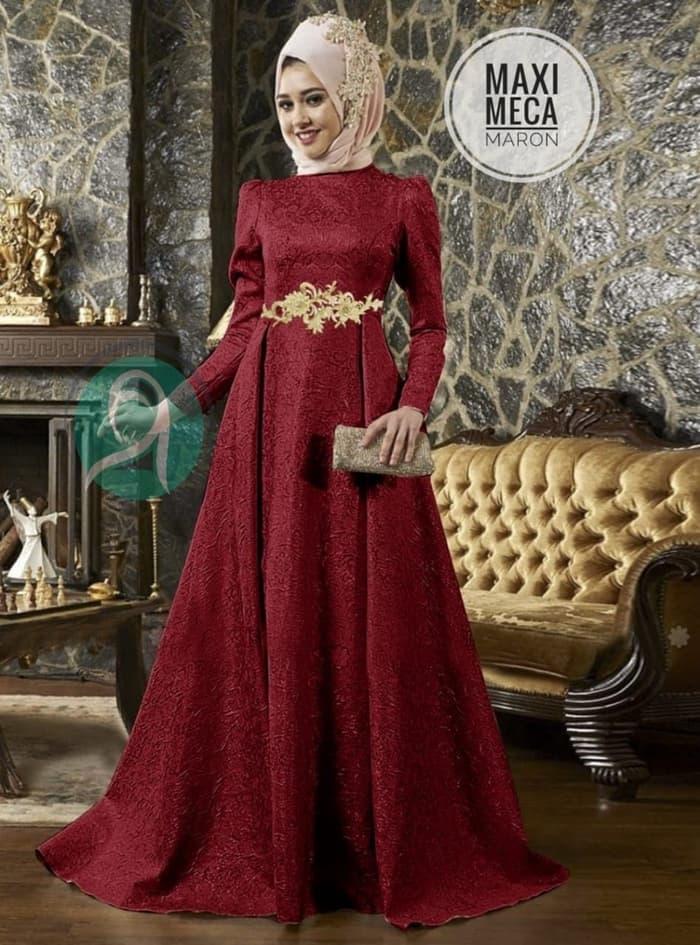 Model Gaun Pesta Warna Merah Maroon