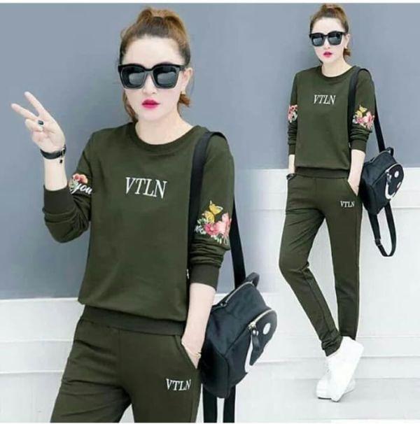 Model Setelan Baju dan Celana Panjang Sporty