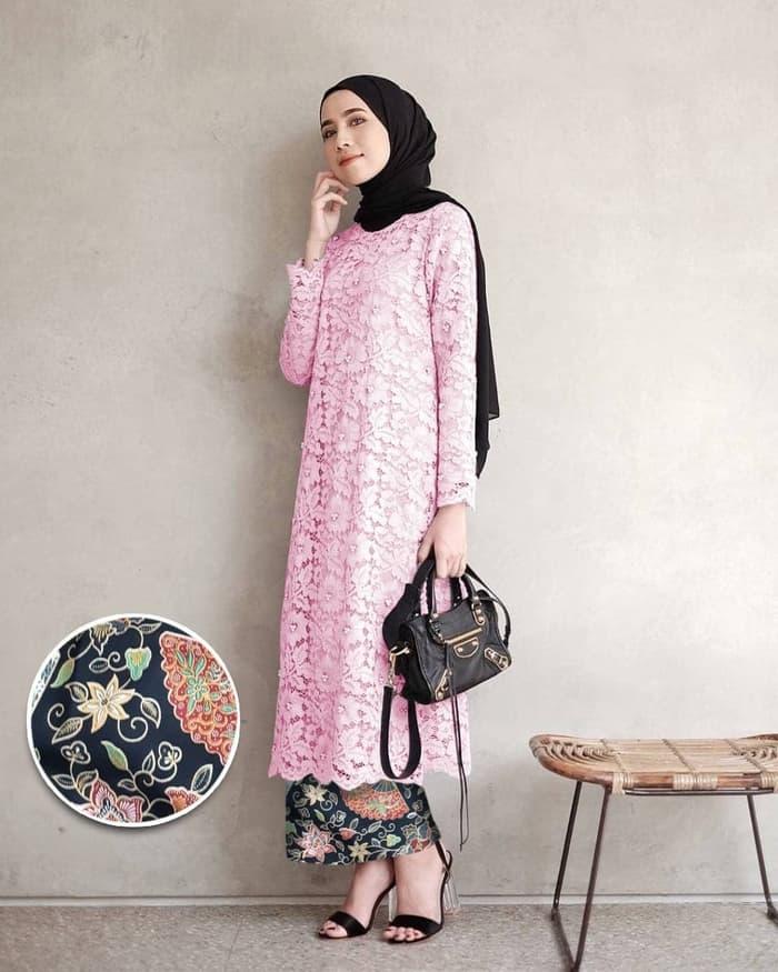 Setelan Baju Kebaya Tunik Brukat Dan Rok Batik Panjang