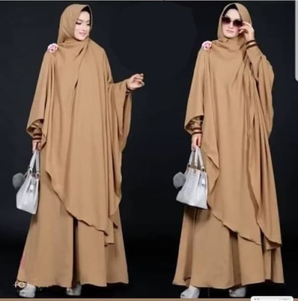 Model Baju Gamis Syari Polos Bergo Panjang Terbaru