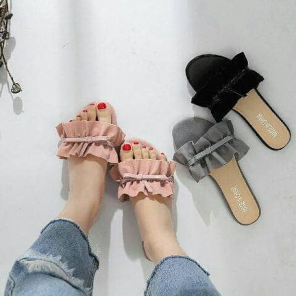 Sandal Teplek Wanita Unik Simple Model Terbaru