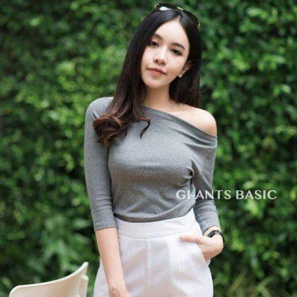 Baju Kaos Wanita Model Sabrina Cantik Terbaru