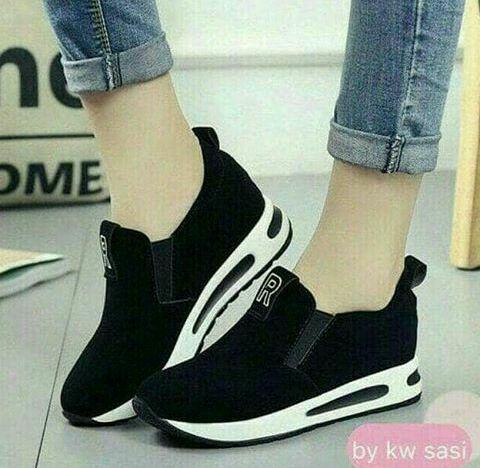 Sepatu Slip On Wanita Keren Model Terbaru Modern