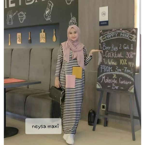 Model Baju Gamis Kaos Motif Salur Belang Terbaru